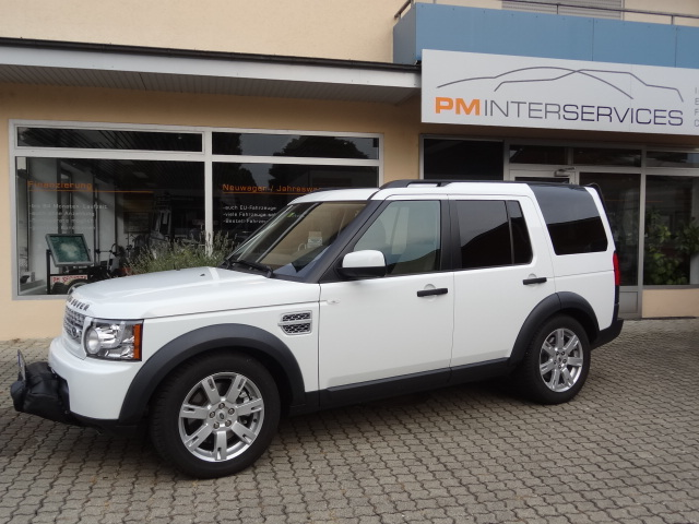 Landrover Discovery mit Seilwinde (weiss)